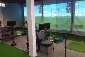 ビーワンゴルフスタジオで100切りを目指せる?レッスンの設備や料金を解説