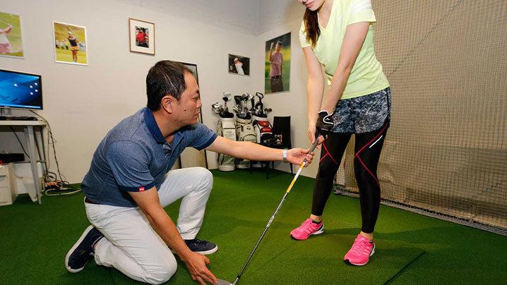 トータルゴルフフィットネスで上手くなる?レッスン料金&内容を解説
