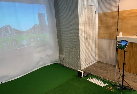 ダックフックゴルフジムの内観画像